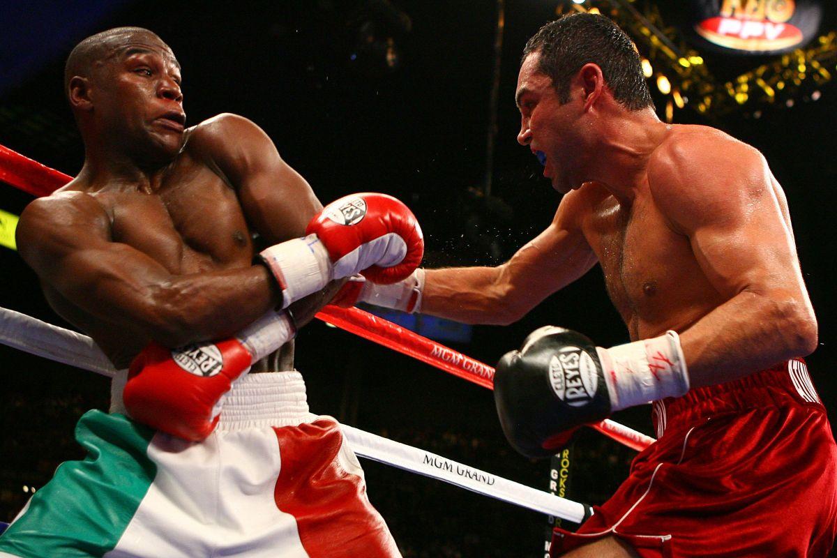 Óscar de la Hoya lanza reto a Mayweather: ¡Batalla de flexiones contra el coronavirus!