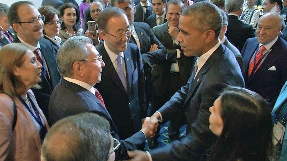 Barack Obama y Raúl Castro sostienen inusual conversación telefónica