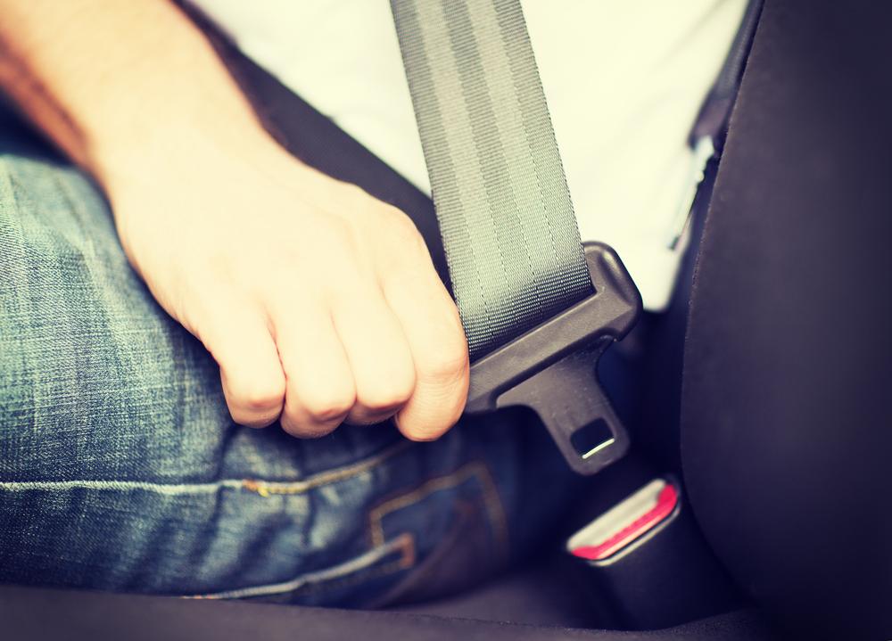 Impresionante video muestra qué sucede a los pasajeros cuando no tienen puesto el cinturón de seguridad ante un choque