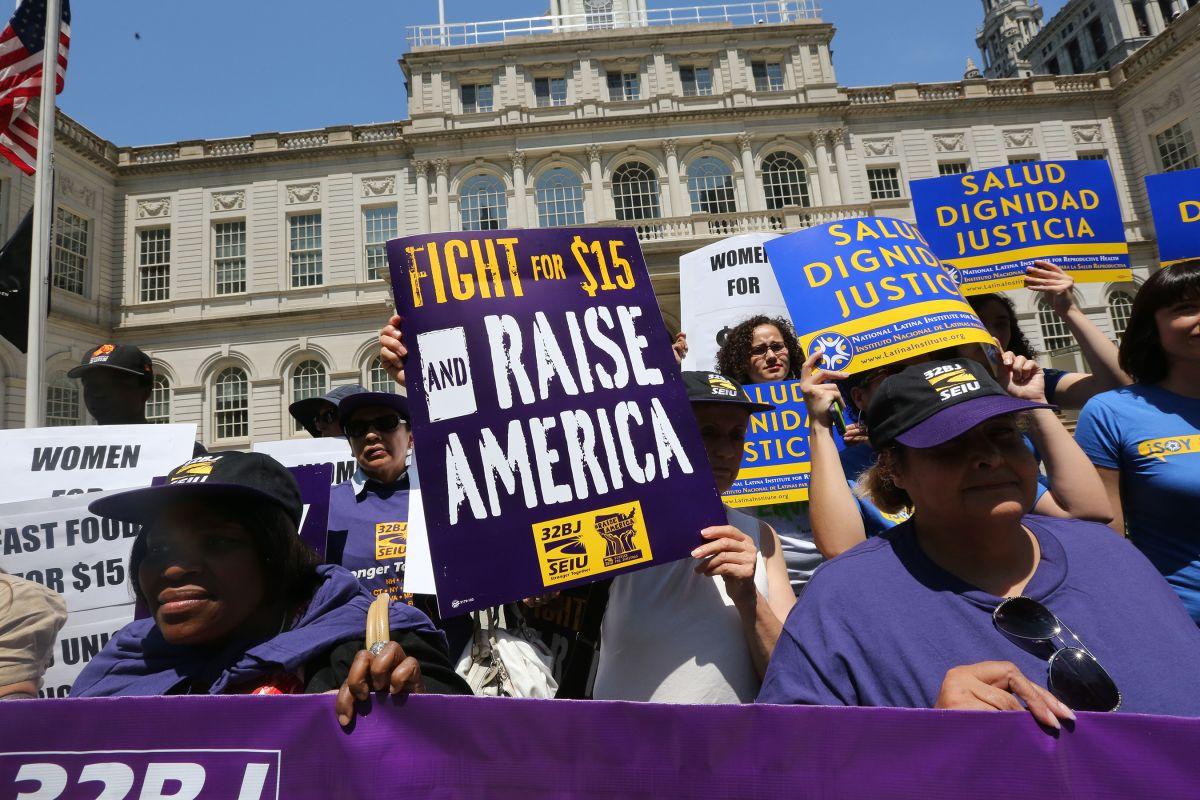 Los $15 por hora beneficiarían a millones de trabajadores