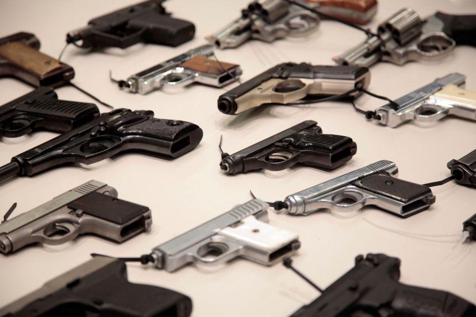 Roban más de 100 pistolas de almacen en Sylmar