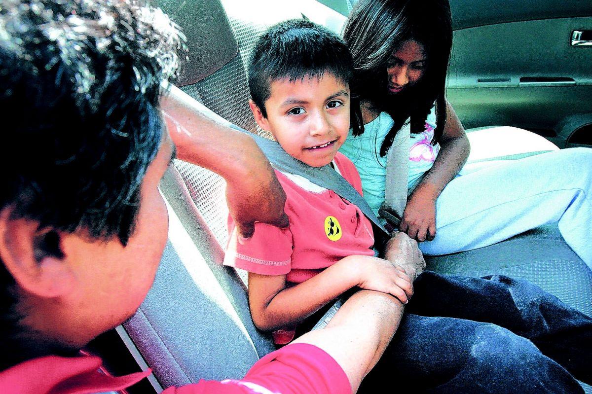 """""""Abrochado o Multado"""", la campaña que te mantendría a salvo en las carreteras"""