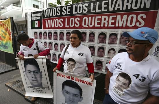 Relatores de ONU: México debe investigar a los funcionarios que bloquearon caso Iguala