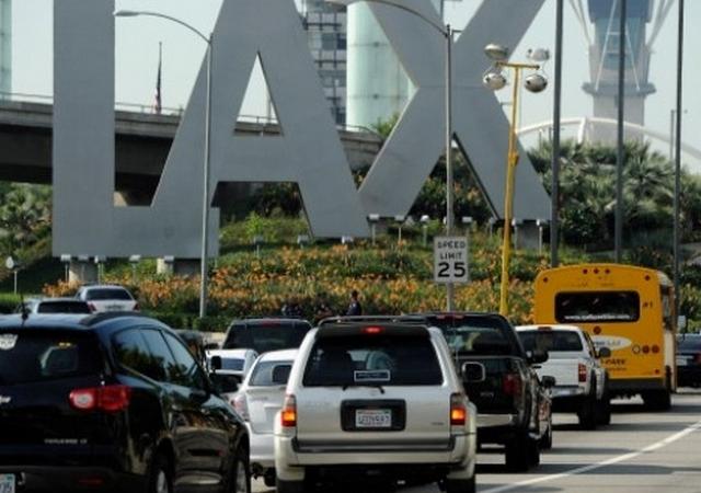 Exempleados de LAX mandaban 'muestras' de cocaina en vuelos comerciales