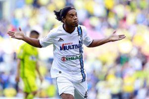 Que siempre no: Ronaldinho desmiente matrimonio con sus dos novias