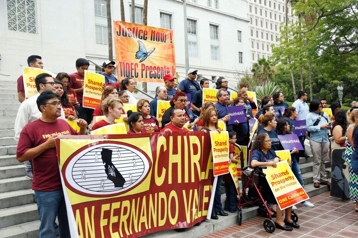 Los Ángeles pide $20 millones para apoyar a inmigrantes
