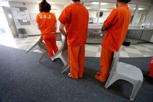 Reporte encuentra condiciones inhumanas y violentas en cárceles del condado de Orange