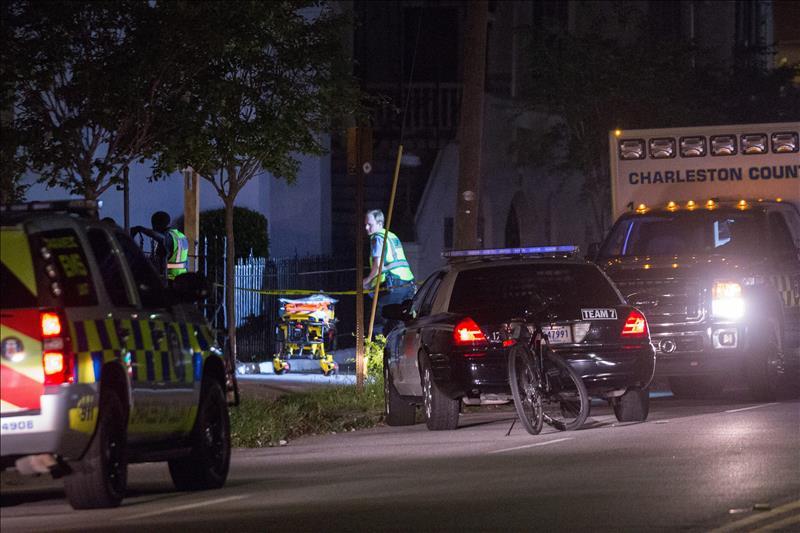 Obama condenó el ataque en Charleston e insistió en el control de armas