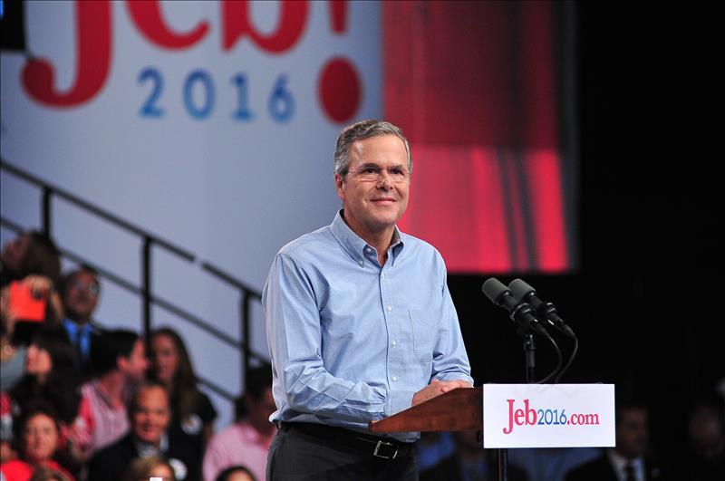 Campaña de Jeb Bush afronta enormes retos por mantenerse con vida