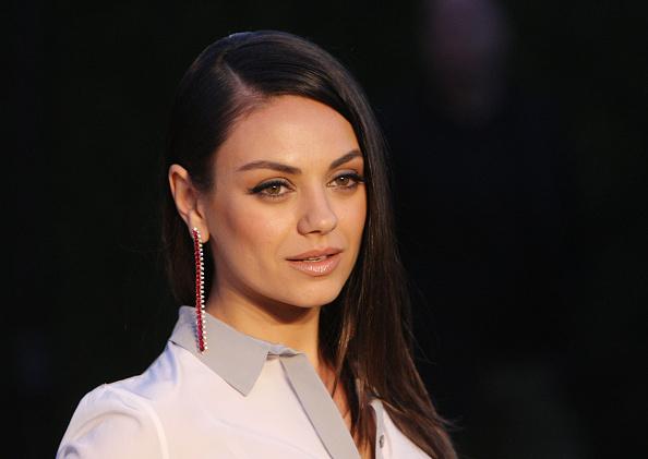 Mila Kunis revela detalles de Ashton Kutcher y Demi Moore