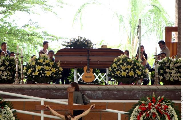 Gente de Guerrero, Morelos y el DF llegaron a despedirse de Sebastian.