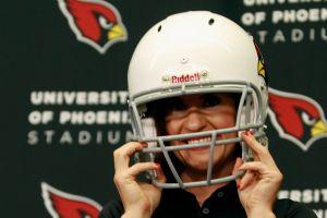 Conoce a la mujer que hace historia como coach en la NFL