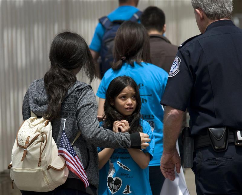 La Patrulla Fronteriza detuvo a más de 10 mil niños migrantes en dos meses