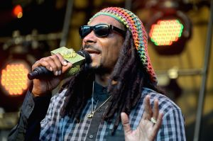 Video: Snoop Dogg comparte su gusto por la música de Jenni Rivera