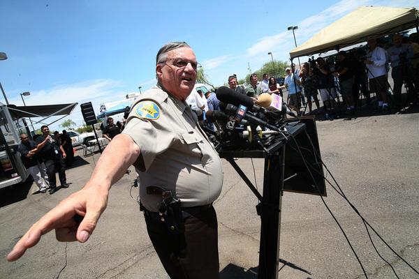 Aplauden la audiencia contra el sheriff Arpaio