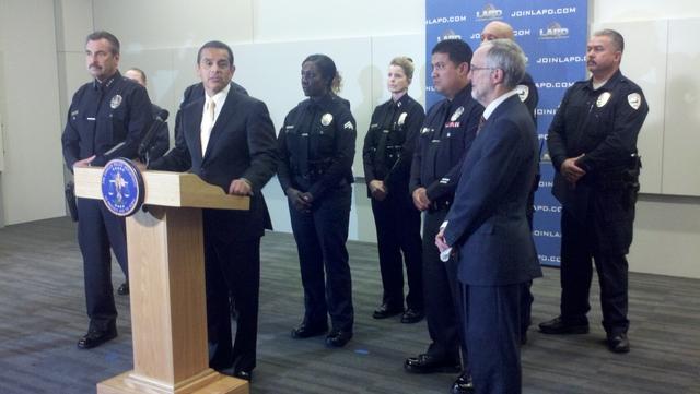 Falta de mandos medios en LAPD arriesga la seguridad