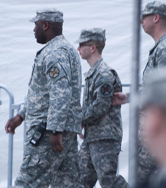 Rechazan recusación de Manning