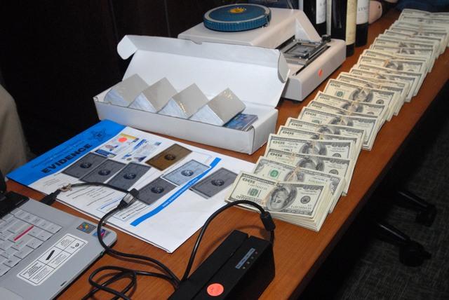 Buscan que  CA reembolse dinero robado