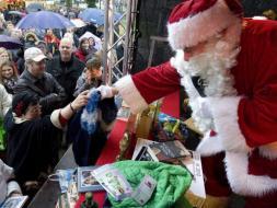 Santa Claus intercambia regalos indeseados