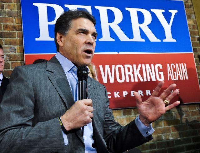 Perry evaluará si sigue como candidato