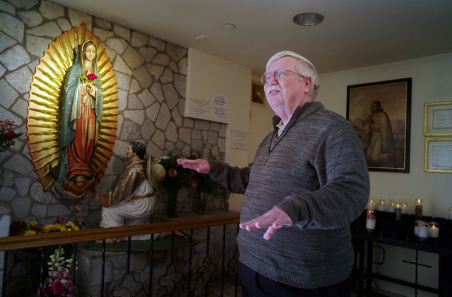 Unos 100 mil católicos abandonan su fe cada año en Estados Unidos