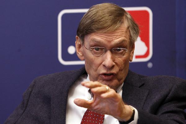 Bud Selig comisionado de la Major League Beisbol.