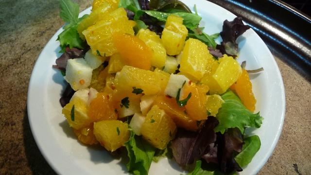 Ensalada de Jícama, una especialidad del chef.