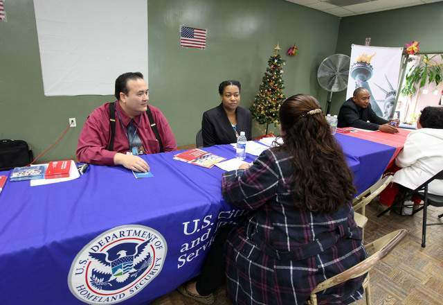 Temen en Nueva York fraudes por cambios en regulación migratoria