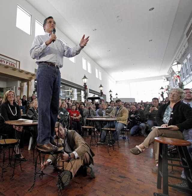 No les agrada, pero los conservadores están con Romney