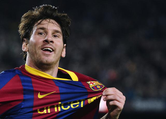 Messi a dos goles de Cristiano