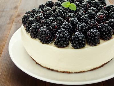 BLACKBERRY CHEESECAKE (low calorie)