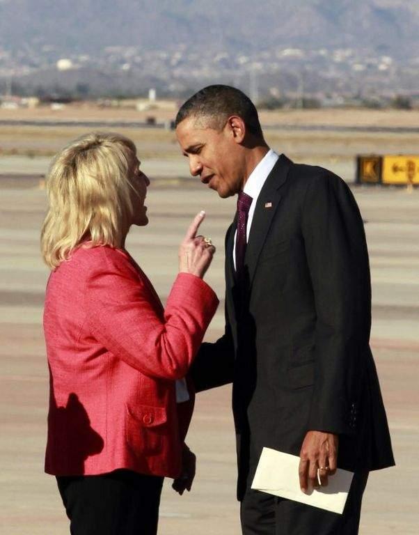Obama tiene un tenso encuentro con Jan Brewer