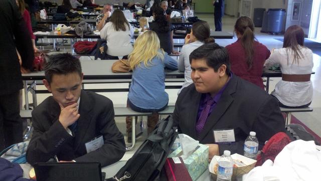 Estudiantes empiezan el  decatlón académico 2012