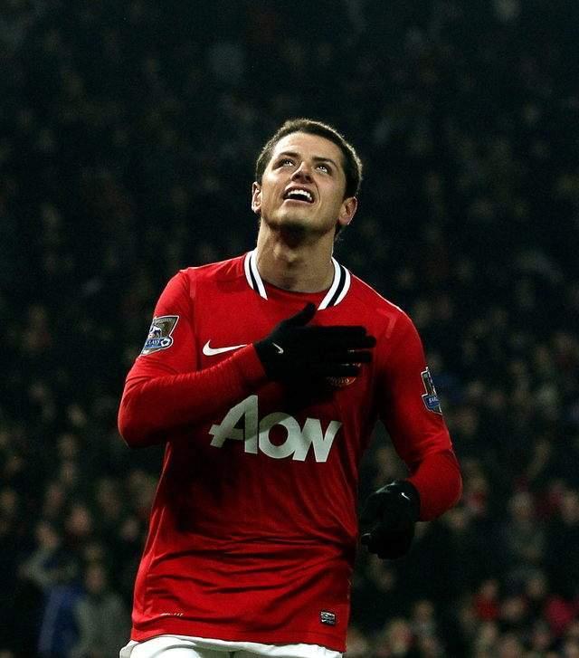 Javier 'Chicharito' Hernández celebra el primer gol del Manchester United ante el Stoke City.