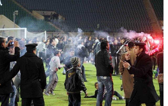 La revuelta en el estadio de Port Said marcó un día negro en el futbol.