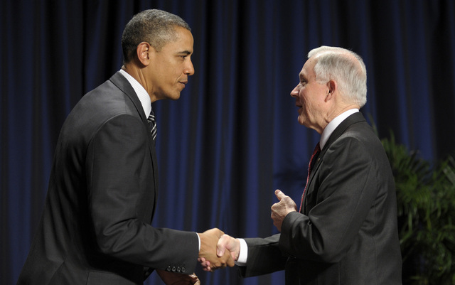 Demócratas se benefician de larga  contienda  republicana