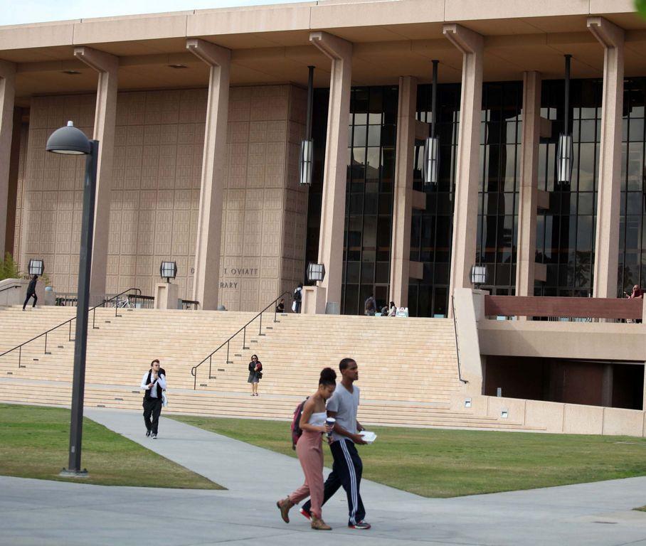 La proposición busca restaurar la acción afirmativa para  ingresos a la universidad.