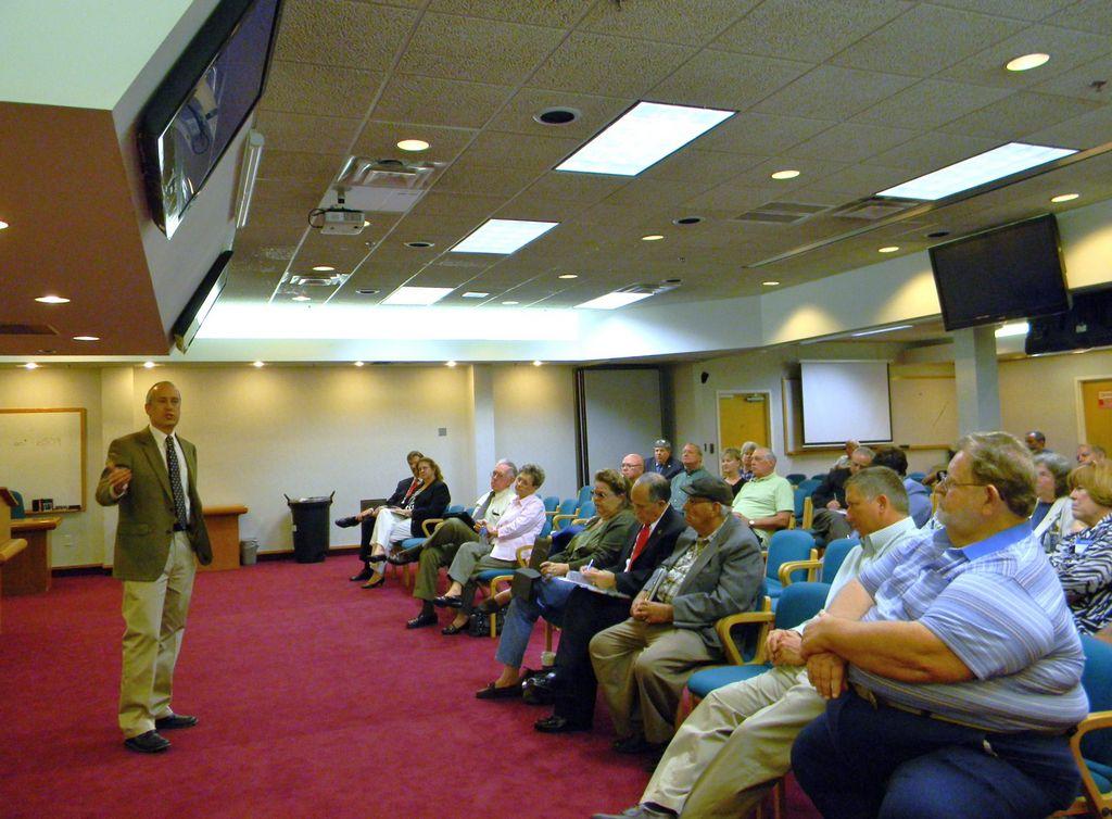 Buscan limitar mandato de comisionados en Osceola