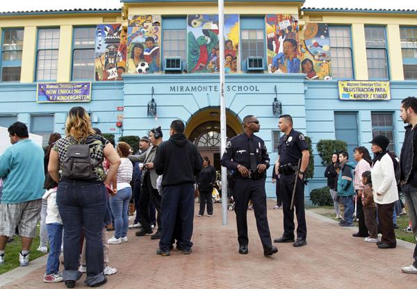 Proponen enmienda constitucional luego de abuso en Miramonte