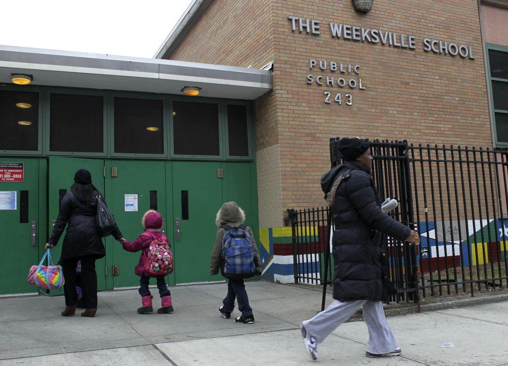 La escuela PS 243 en Crown Heights, en Brooklyn, donde trabajaba el acusado Taleek Brook.