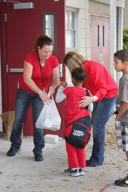 Niños con hambre en las escuelas