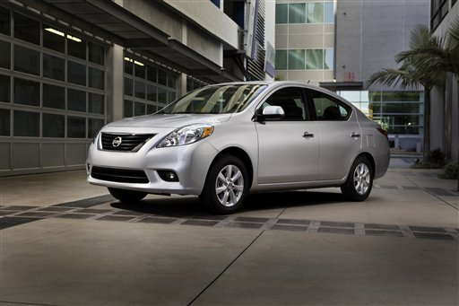 Nissan llama a revisión 39,000 Versa