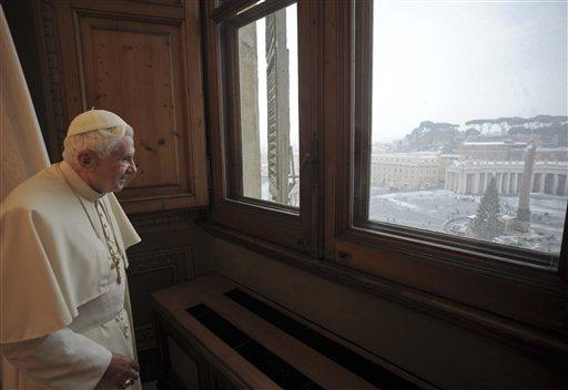 Obispo cree que el Papa quiere renunciar