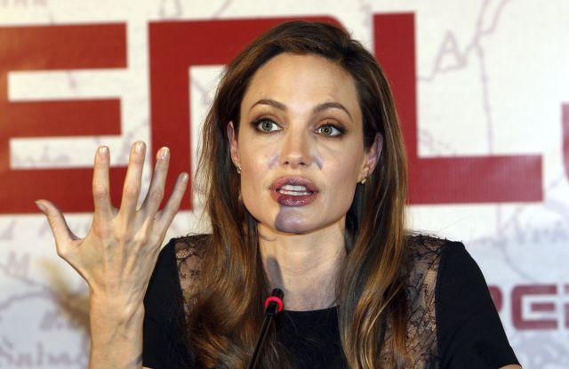 Revelan lo que 'sufrió' Angelina Jolie para obtener el papel de Lara Croft