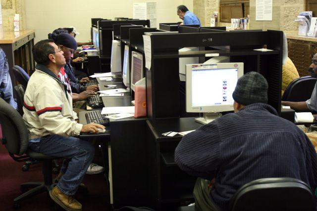 California está al frente en el subempleo