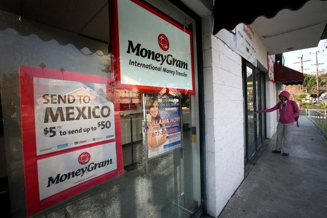 Aumentan remesas de inmigrantes latinos