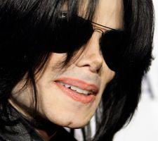 Demandan a ex representante de Michael Jackson