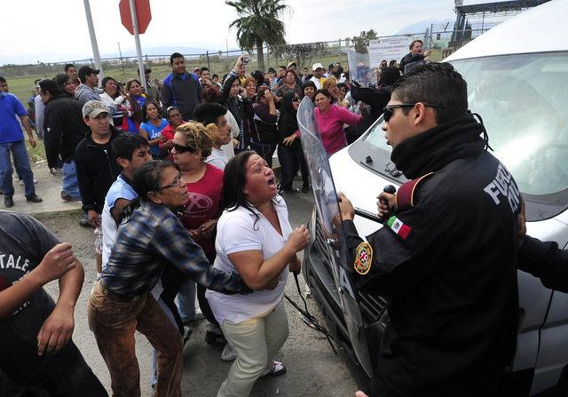 Confirman fuga de 30 presos de cárcel de Apodaca