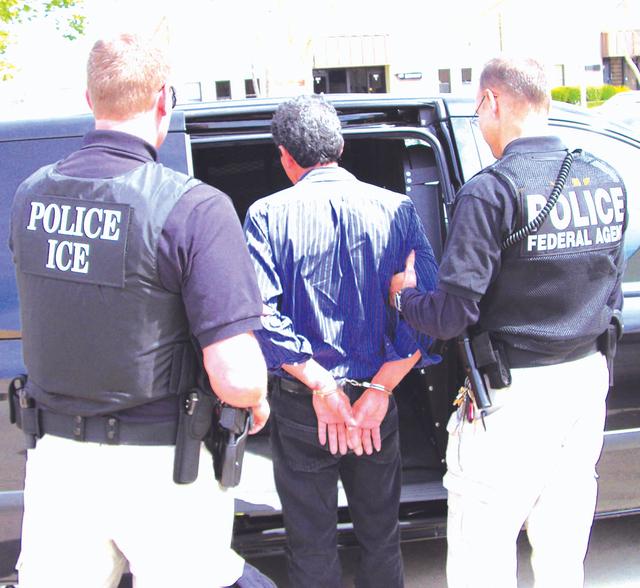 Detienen a 14 mexicanos en costas de California