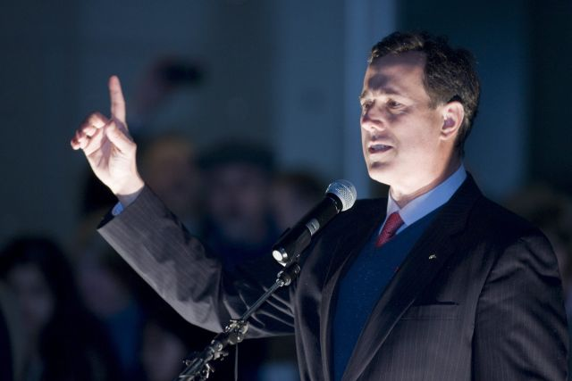 Republicanos no se deciden entre Romney y Santorum
